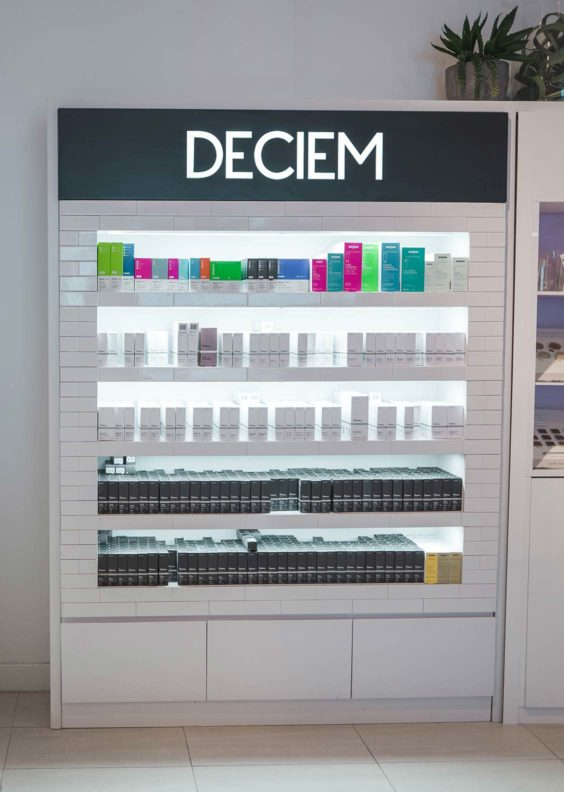 Deciem display